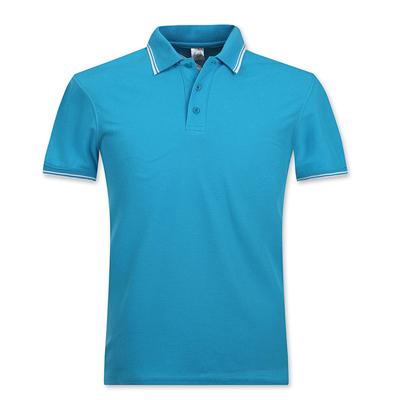 浅蓝色翻领T恤衫